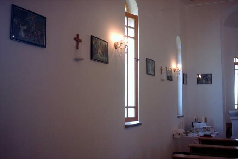 Lijeva strana crkve