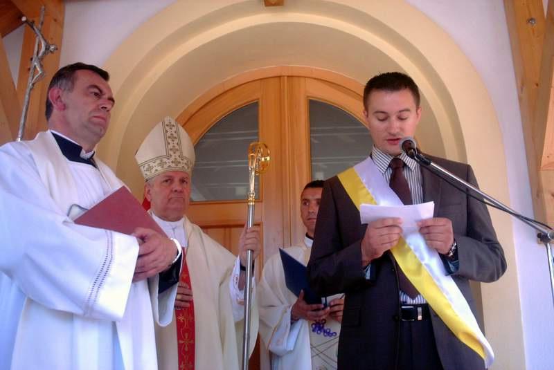Kum Mario Lovričić drži pozdravni govor