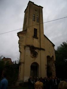 Srušena crkva u Sasini
